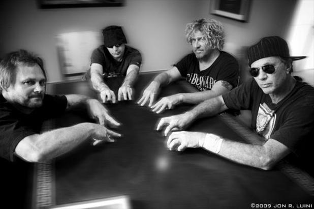 Chickenfoot Brings Hard Rock to Winstar